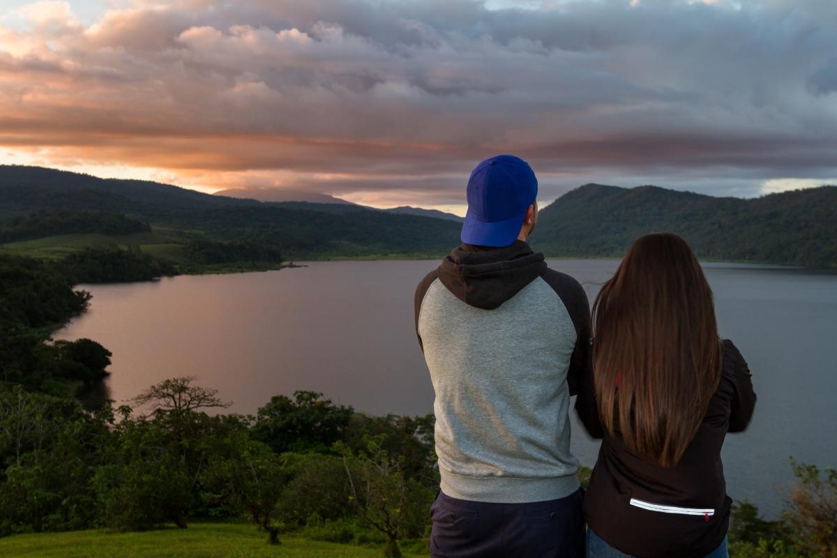 """""""Можем да си останем приятели"""". Да, разбира се - в една паралелна вселена. Ако говорим за бивш съпруг, с когото имате дете и нови, пълноценни връзки - да, възможно е. Но между бивши гаджета приятелството може да е опит за намеса в живота на другия."""