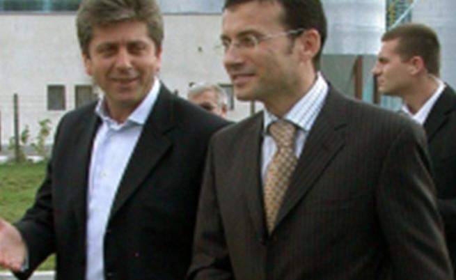 Миню Стайков при посещението през 2004 г. във Винпром Карнобат на тогавашния пезидент Георги Първанов