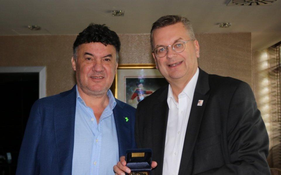 Боби Михайлов прие президента на Германския футболен съюз
