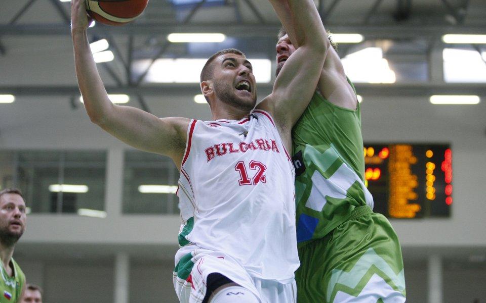 Алекс Симеонов се отправя към Исландия