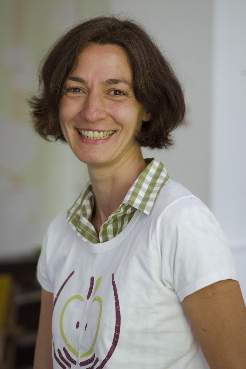 Екатерина Йосифова от Фондация За Храната, която цели да създаде дигитален ресурсен център за деца, родители, учители и училища, който да предоставя помощни материали (видеа, влогове, рецепти) и практически знания по темата хранене.