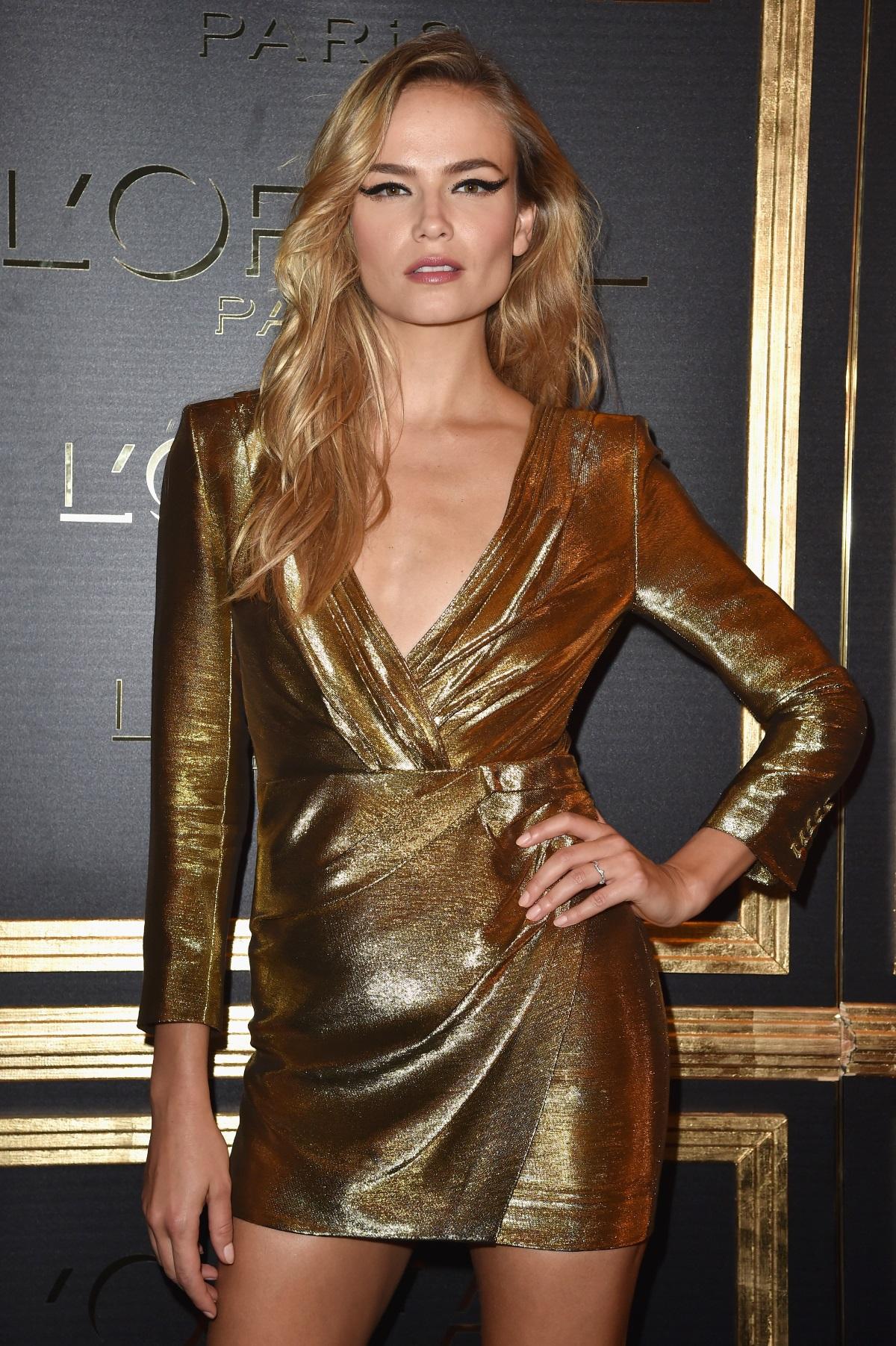 Истинското име на супермодела Наташа Поли е Наталия Сергейевна Полевшчикова. През 2004 г. руската красавица се превръща във фаворитка на модния поидум и съкращава името си, с което е известна в цял свят.