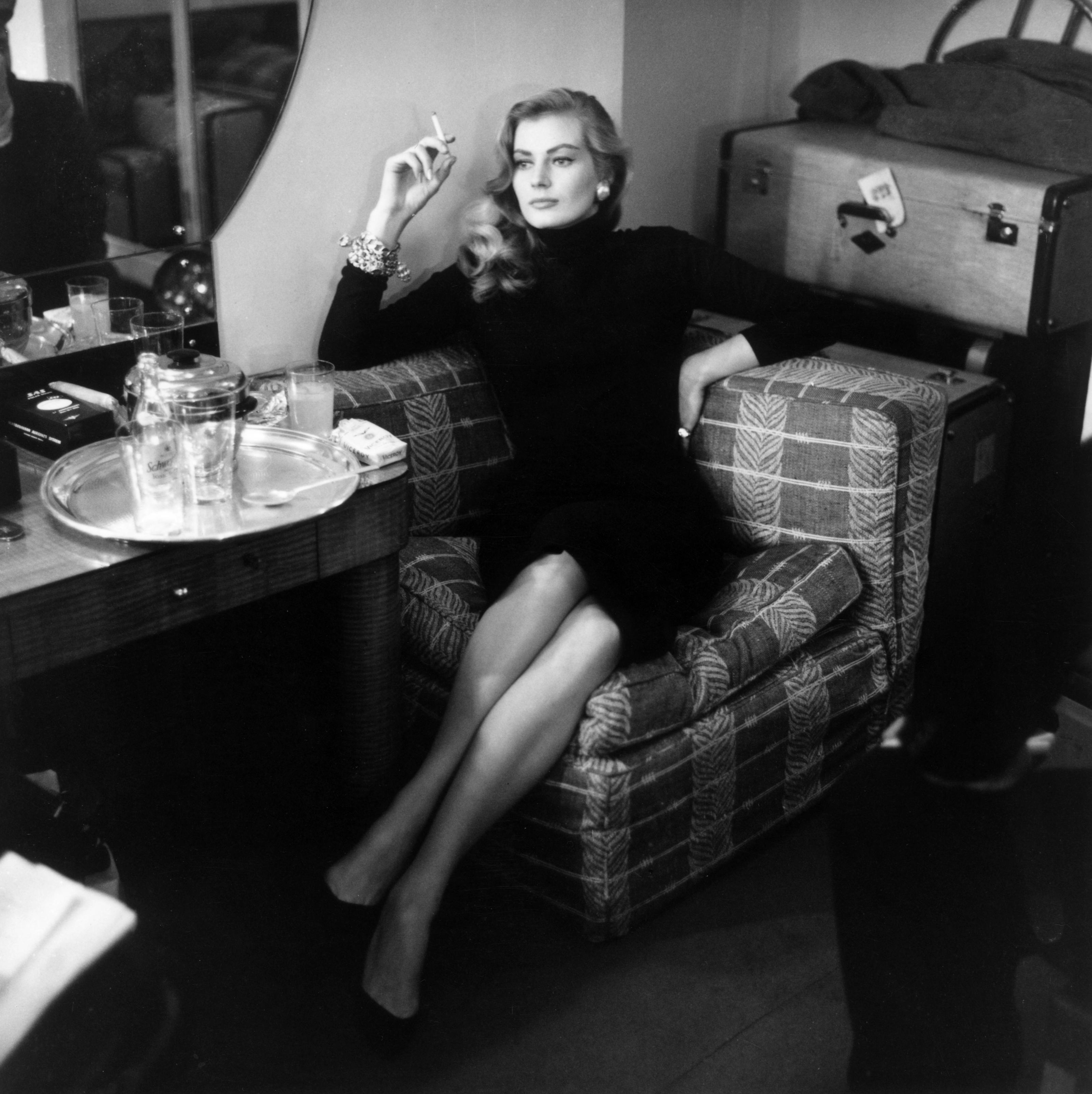 """Анита е родена на 29 септември 1931 г. в град Малмьо, Швеция в семейство от общо осем деца. Артистична още от дете, Анита успява да сбъдне мечтата си.През 1951 г. печели конкурса """"Мис Швеция"""". Традиционно, всяка девойка спечелила конкурса отива и на""""Мис Вселена""""."""