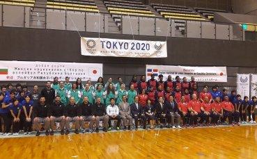 Необичаен подарък за волейболистките от кмета на Окаяма