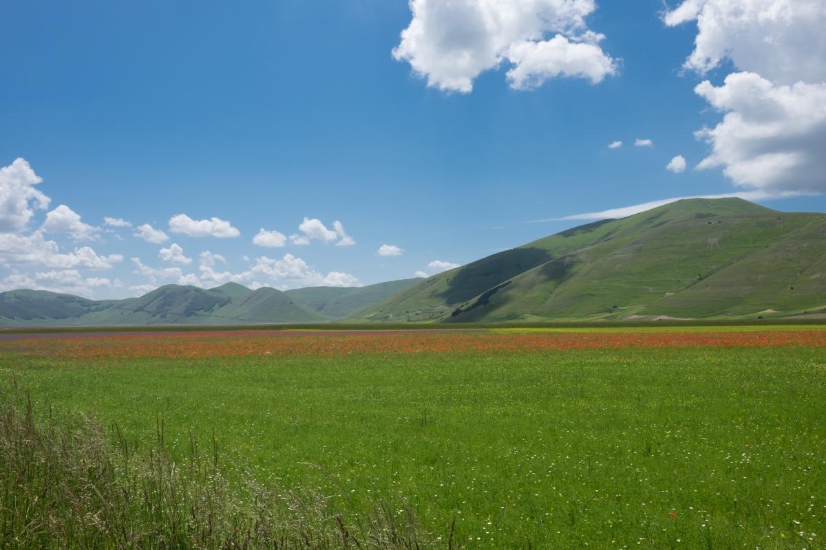 Сибилинските планини, на 75 нкилометра от Рим са едни от най-живописните в Италия.