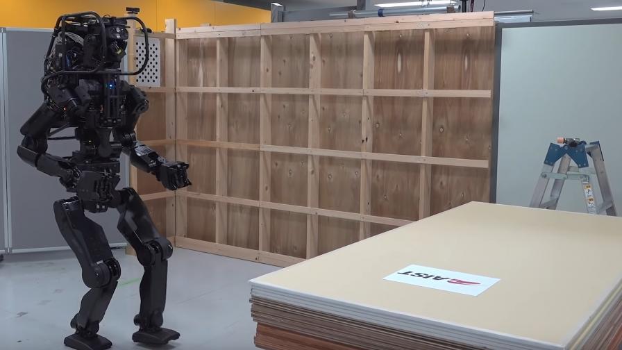 Роботът-строител