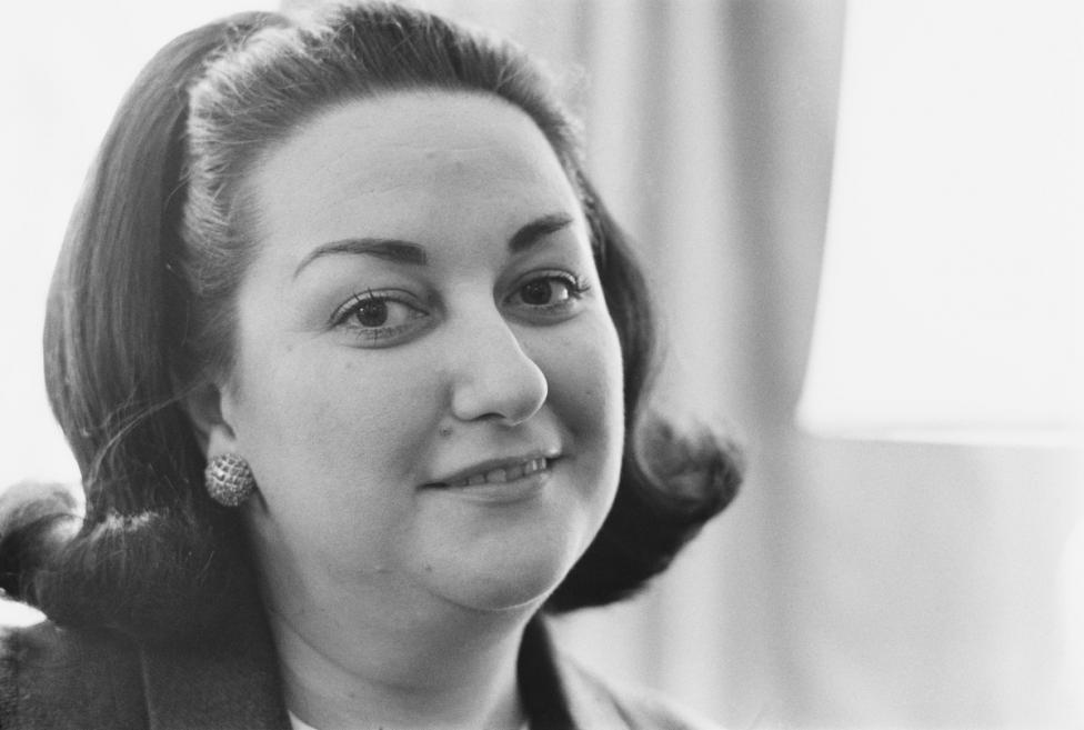 """- Звездната слава на Кабайе изгрява през 1965 г. с ролята X на Лукреция Борджия в операта на Доницети в известния """"Карнеги хол"""" в Ню Йорк, след като..."""