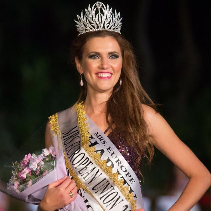 """- Българката Юлия Бакалова бе избрана за """"Мисис Европейски съюз"""" на конкурс за красота, провел се в Гибралтар. За това съобщи самата победителка в..."""