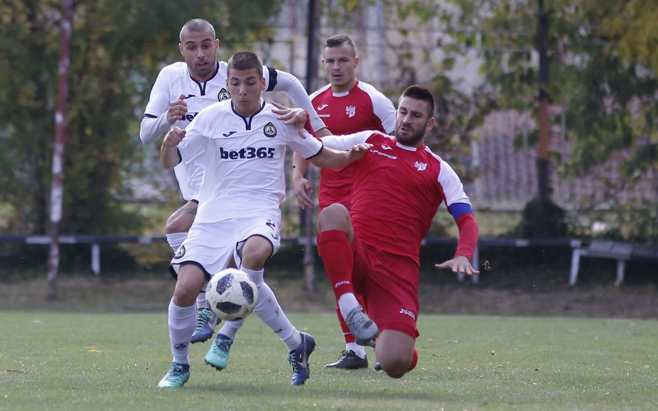Славия победи Кариана в контрола, Загорчич пробва кипърски защитник