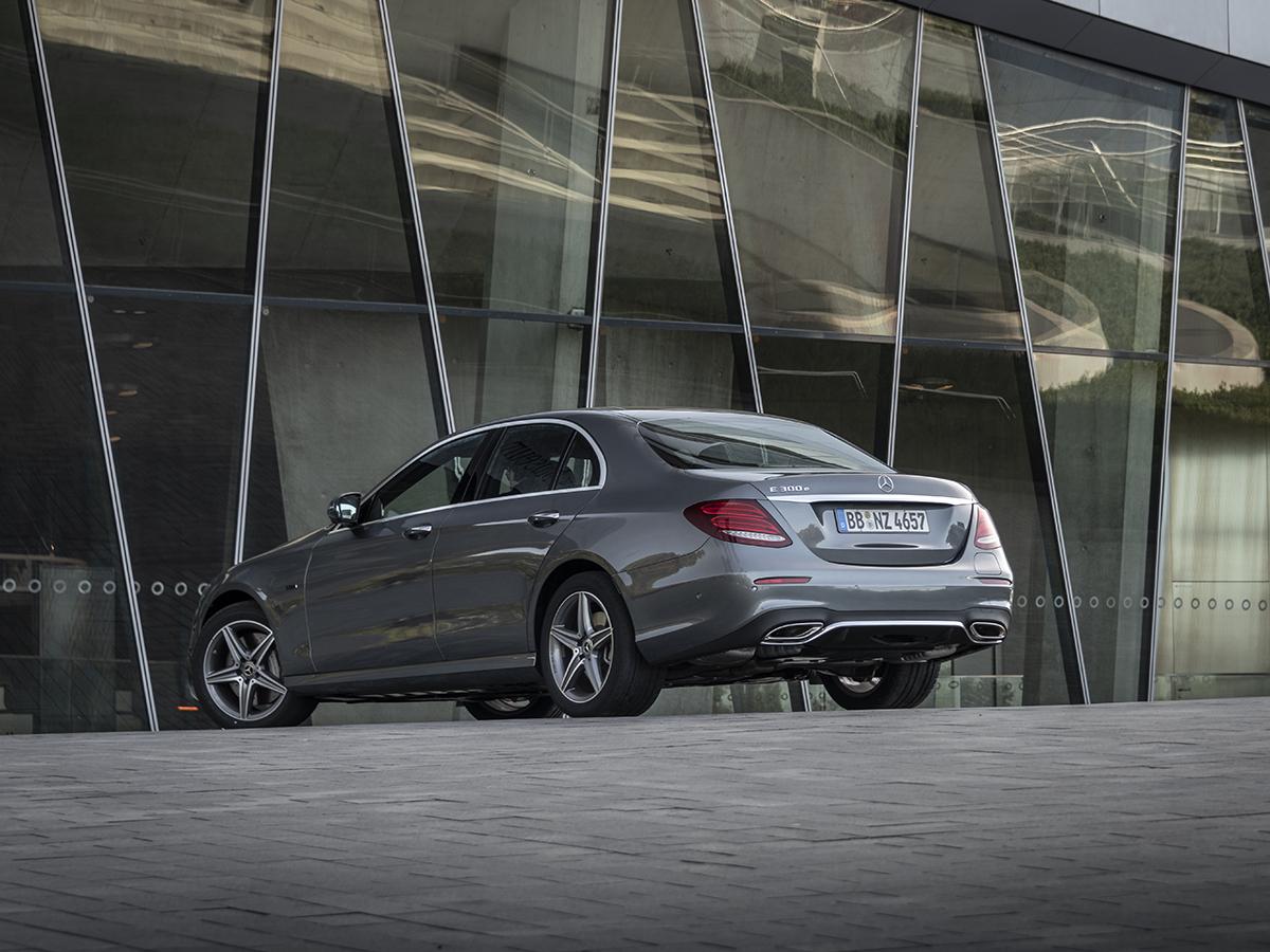 Mercedes-Benz E300e и E300de
