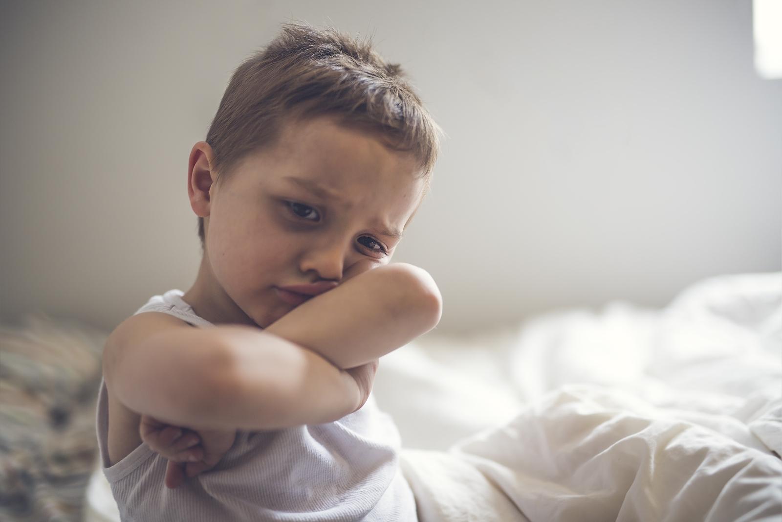 Сълзите идват с мощна доза ендорфини. Освен, че плачът е емоционелтн, той е и физически процес. Именно сълзите и техния състав защитават ириса на окото.