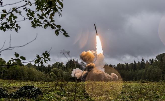 Тръмп изтегля САЩ от Договора за ликвидиране на ракети с малък и среден обсег
