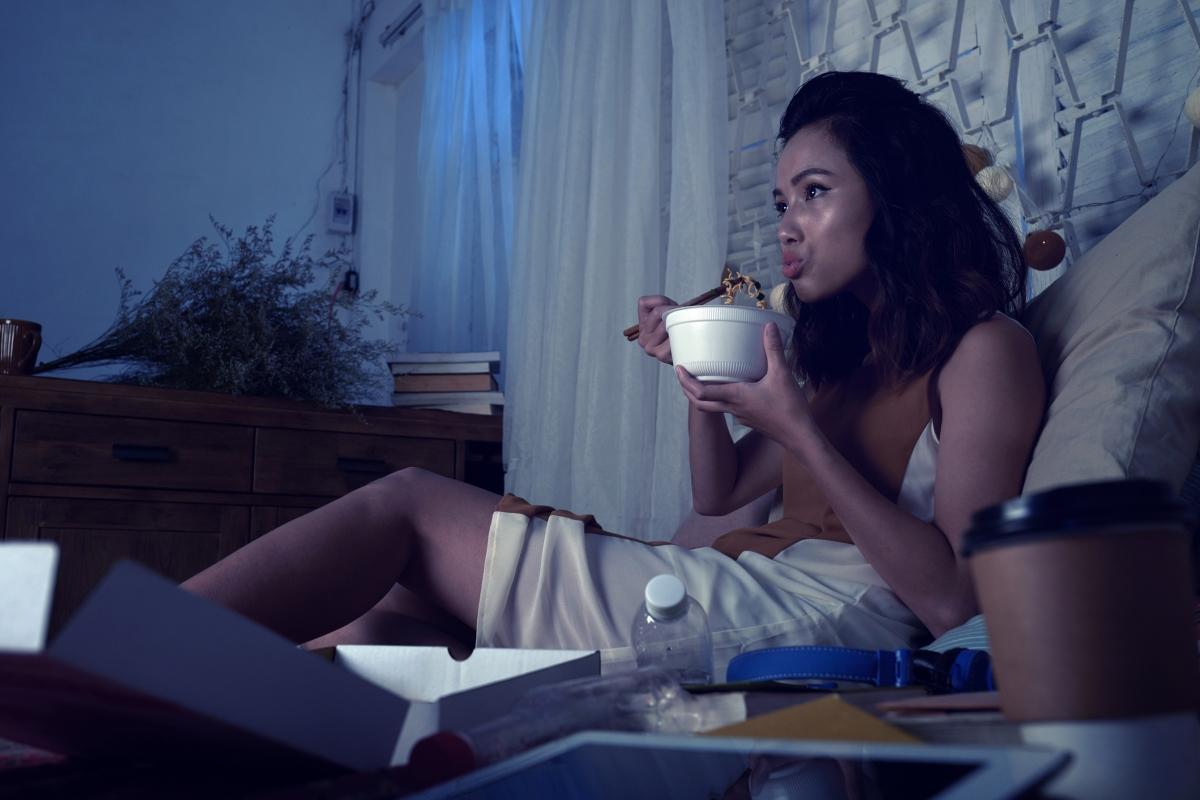 Представата ви за добре прекаран уикенд включва поръчка на храна по телефона и гледане на Нетфликс.