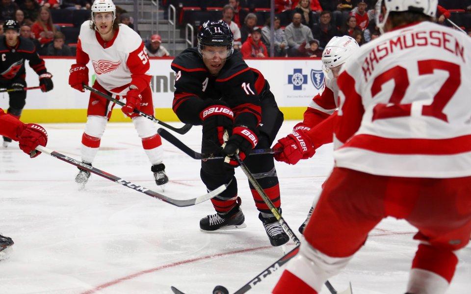 Каролина изравни клубен рекорд за най-силен старт на сезона в НХЛ