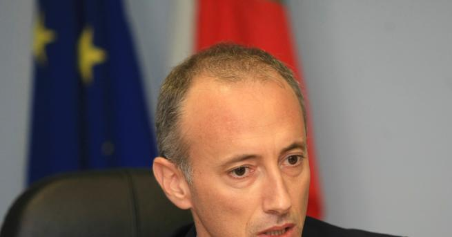 България Спират одобряването на новите учебници по история Според просветния