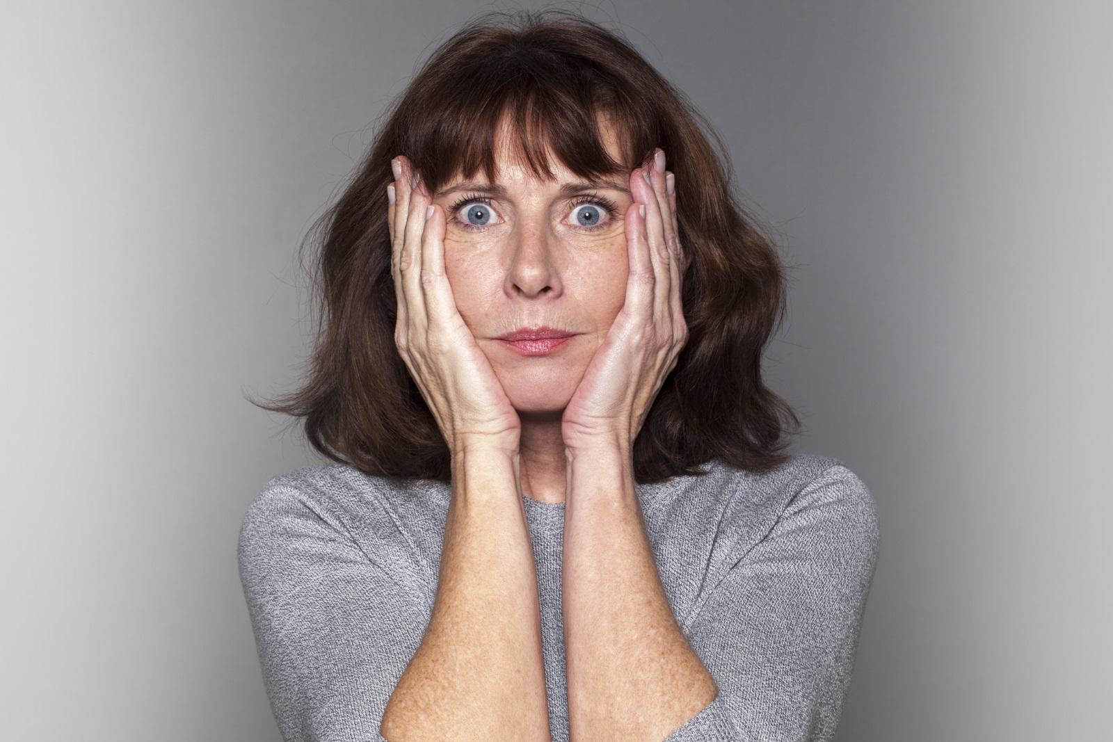 7.След 45 години започва периодът на втората младост не само при жените, но и при мъжете.По думите на един западен психолог, ние най-накрая преставаме да измерваме възрастта си с броя на годините и започваме да мислим за времето, което ни остава да изживеем.