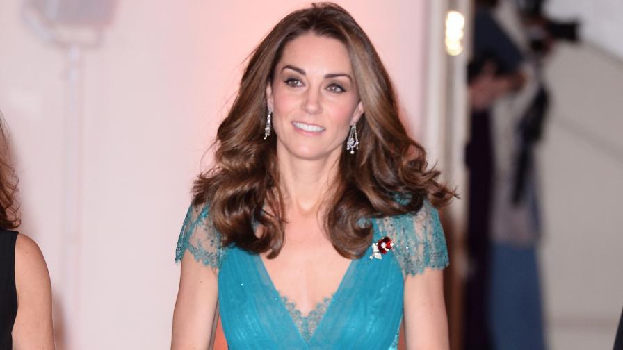 <p>Кейт Мидълтън облече за втори пътрокля на 6 години</p>