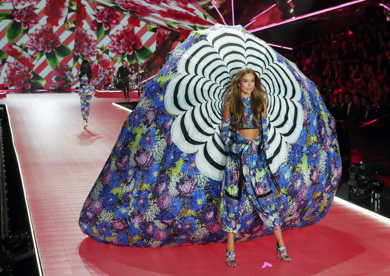 Американският моден бранд Victoria's Secret с модно шоу на марката в Ню Йорк.