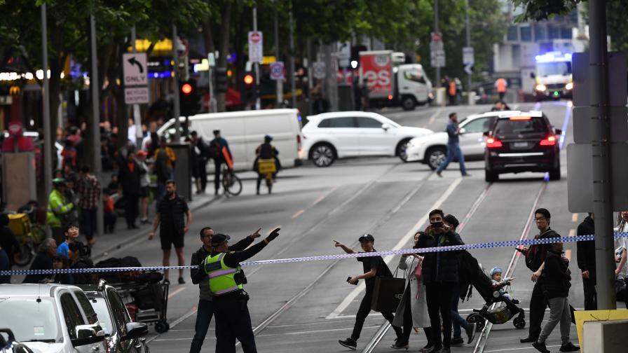 Нападение с нож в Мелбърн, има жертва