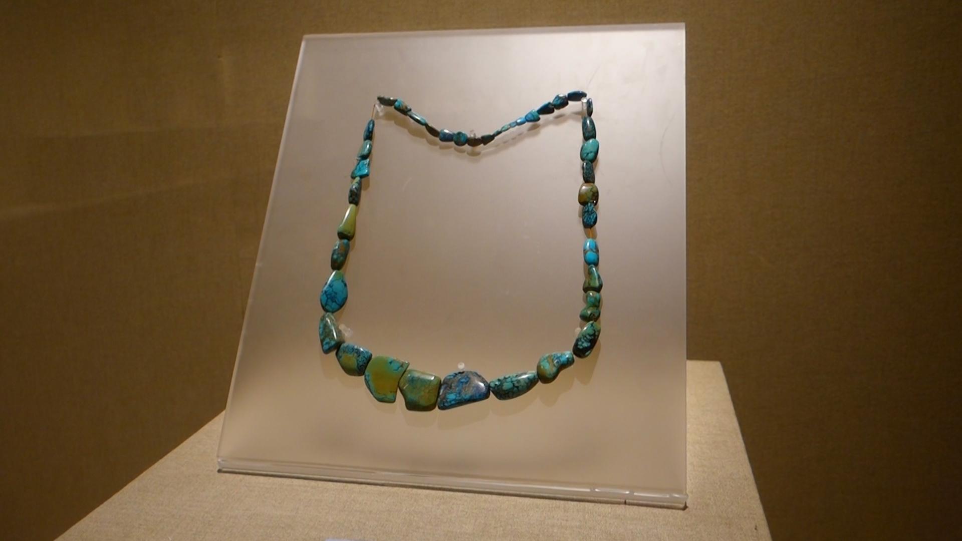 Нефритени камъчета се намират и в речните корита на Мианмар.