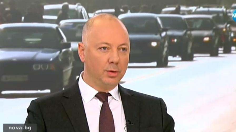 <p>Защо трима евродепутати предадоха българския интерес</p>
