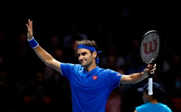 Федерер запази шансове в Лондон с елегантен успех над Тийм