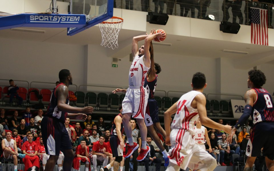 Сборен юношески отбор на България загуби от JBA USA в приятелски баскет-мач