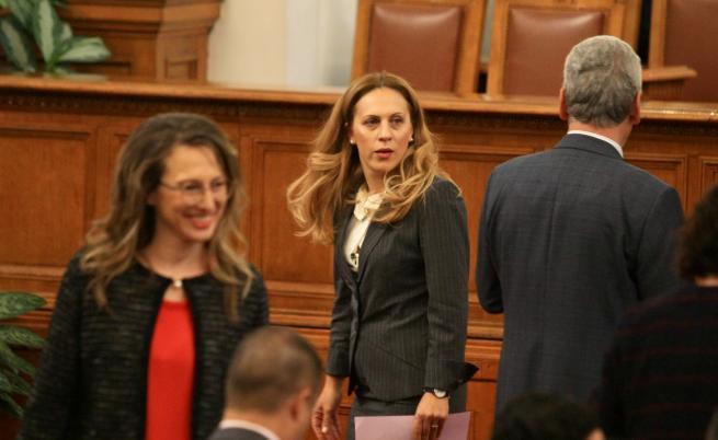 Парламентът прие оставката на Валери Симеонов