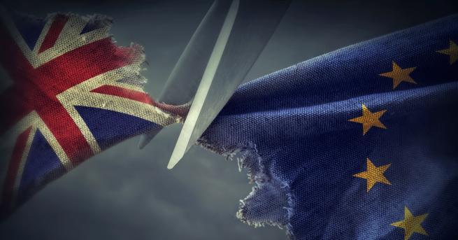 Свят ЕП ратифицира сделката за Brexit (Видео) В полунощ на