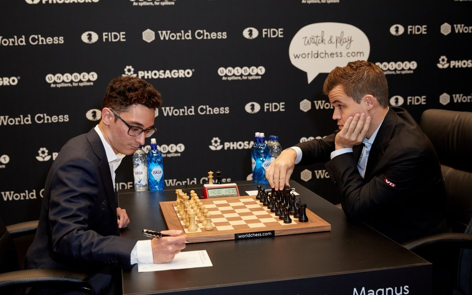 Карлсен и Каруана ще играят тайбрек след 12-ото реми
