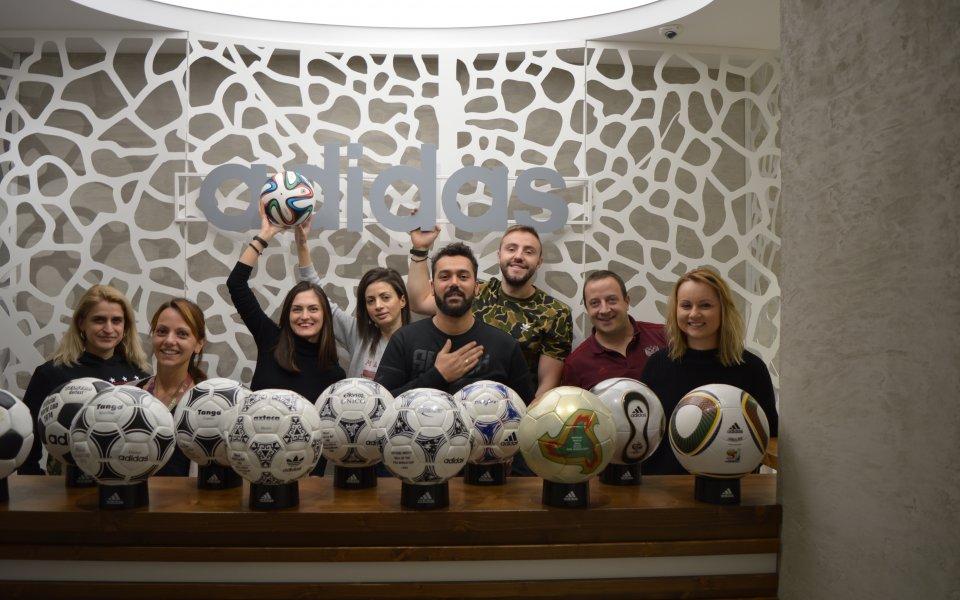 Адидас България се включва в Благотворителния търг на Дарик с уникално дарение