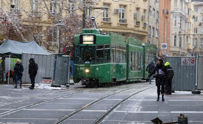 """Пуснаха трамваите по """"Графа"""" пробно"""