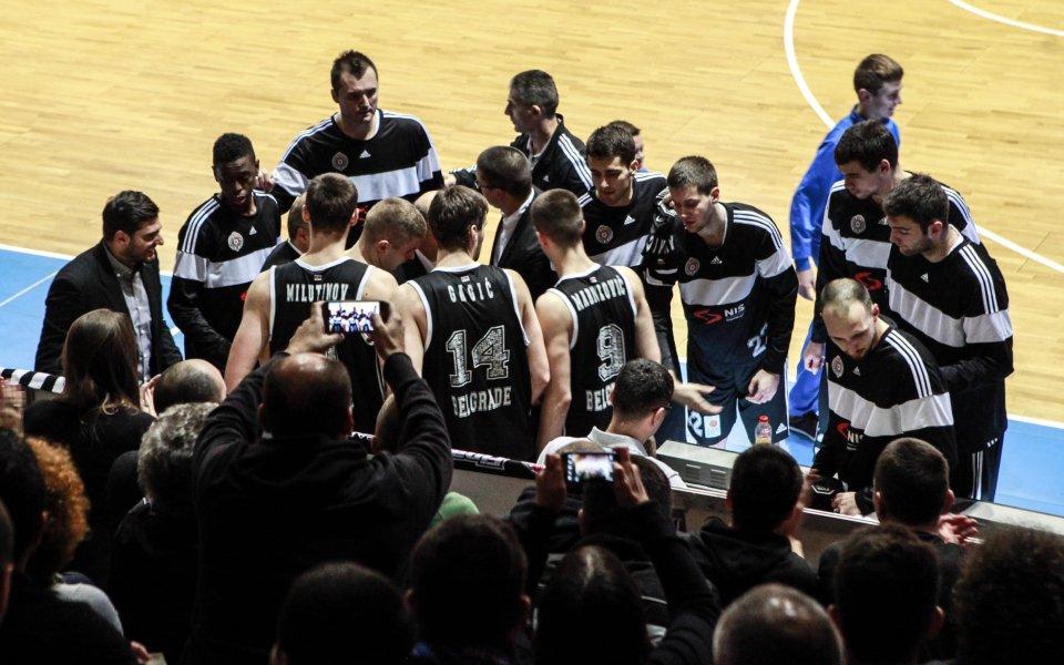Не пуснаха баскетболистите на Партизан за протести в Косово