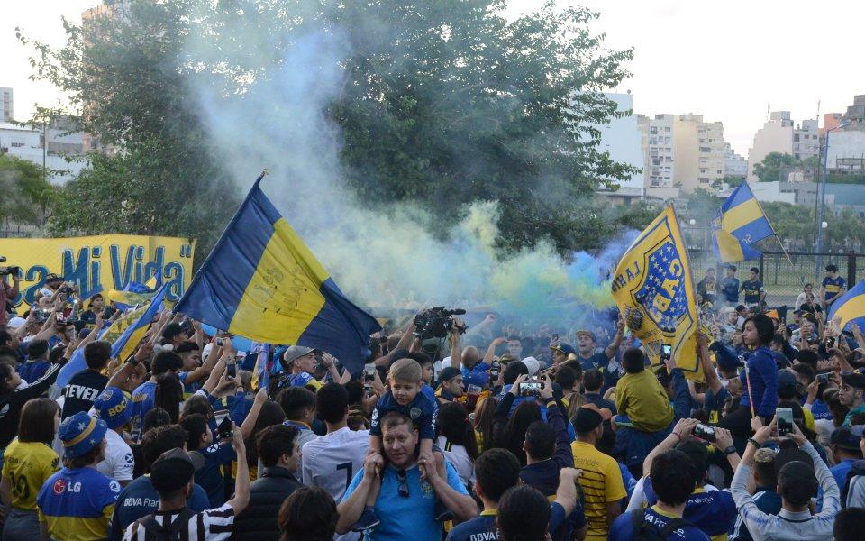 Невероятно: Изпратиха Бока Хуниорс за Мадрид със заря и еуфорична атмосфера