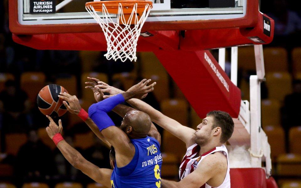 Олимпиакос загуби в Евролигата, Везенков игра по-малко от три минути