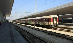 Товарен влак дерайлира край Пловдив
