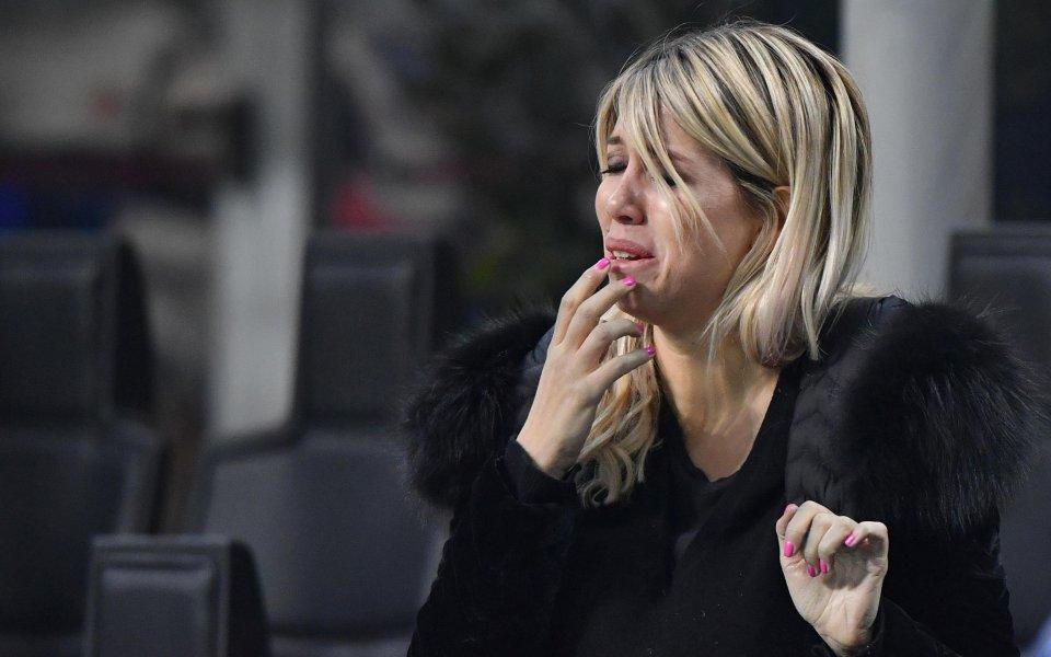 Половинката на Икарди, обляна в сълзи след отпадането на Интер от ШЛ