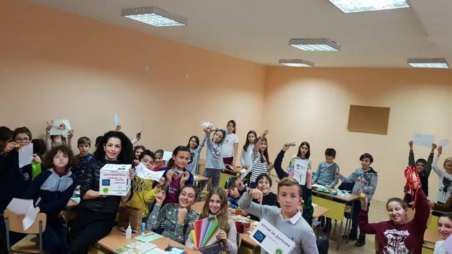 Ученици с мащабна благотворителна кампания в помощ на майките на деца с увреждания