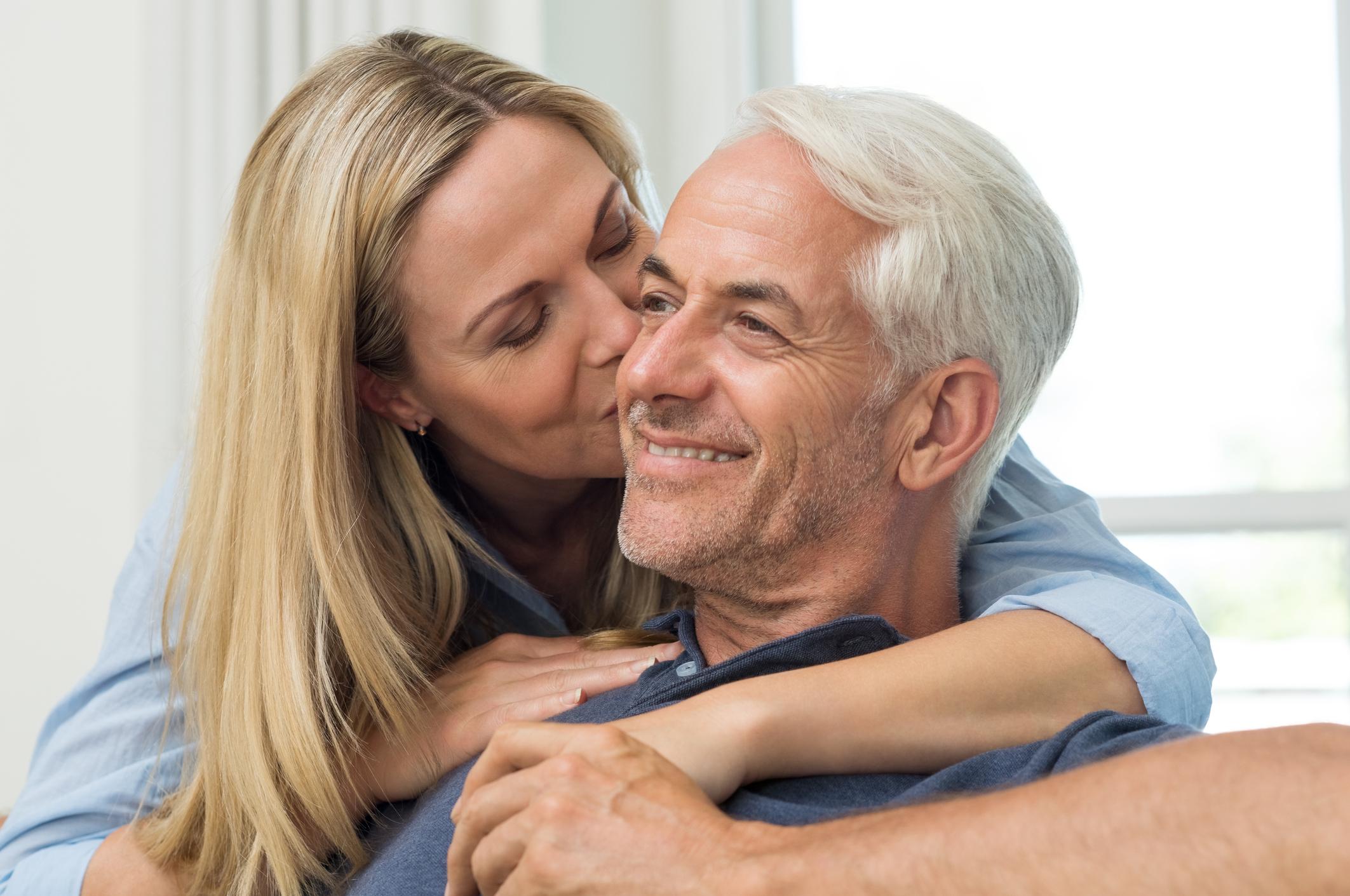 Лъв<br /> Изключително важно е вашата връзка да изглежда добре пред другите. Може да бъдете много властен/а и да се опитвате да контролирате партньора си. Флиртувате прекалено много, което не се харесва на половинката ви. Понякога говорите снизходително на партньора си.