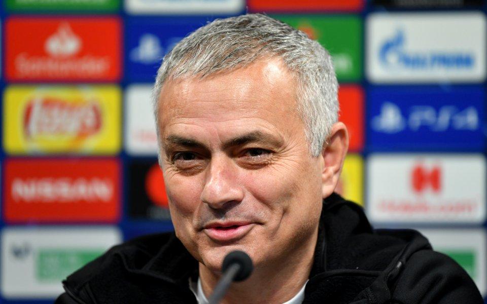 Бившият мениджър на Манчестър Юнайтед Жозе Моуриньо сравни 19-годишния защитник