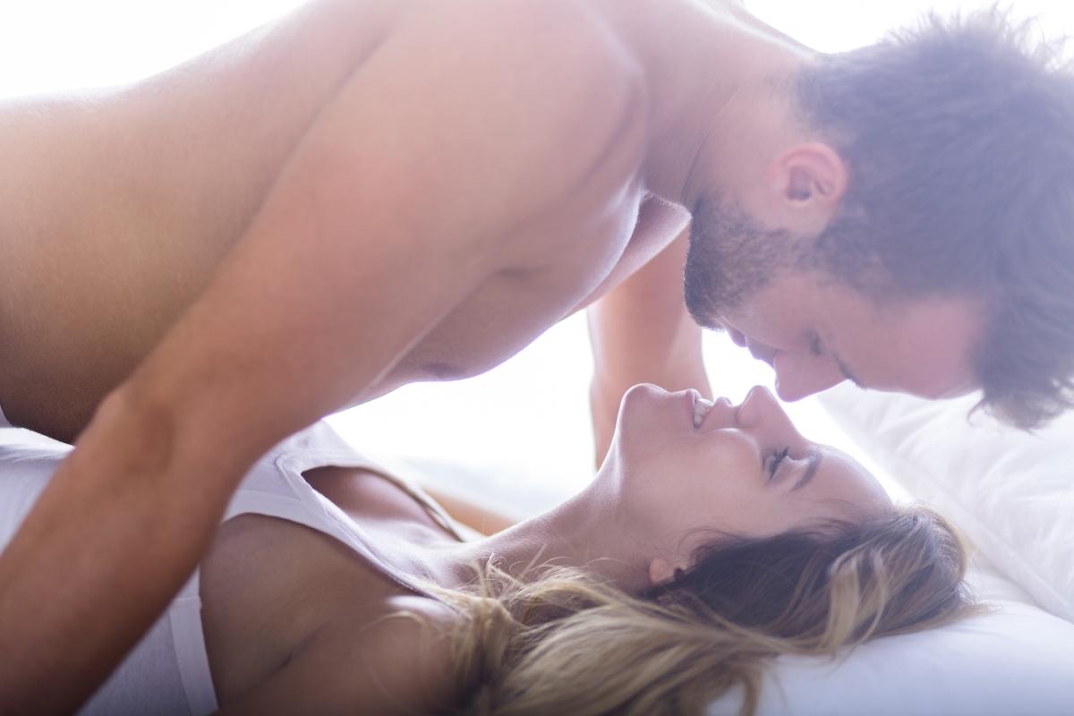 <p>Наблягай повече на любовната игра - защото с нея сексът винаги е по-хубав; и мъжете знаят, че от нея има смисъл и не бива да се пренебрегва.</p>