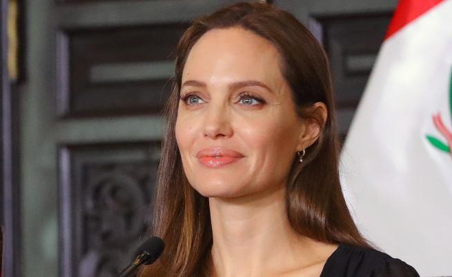 Анджелина Джоли намекна, че влиза в политиката