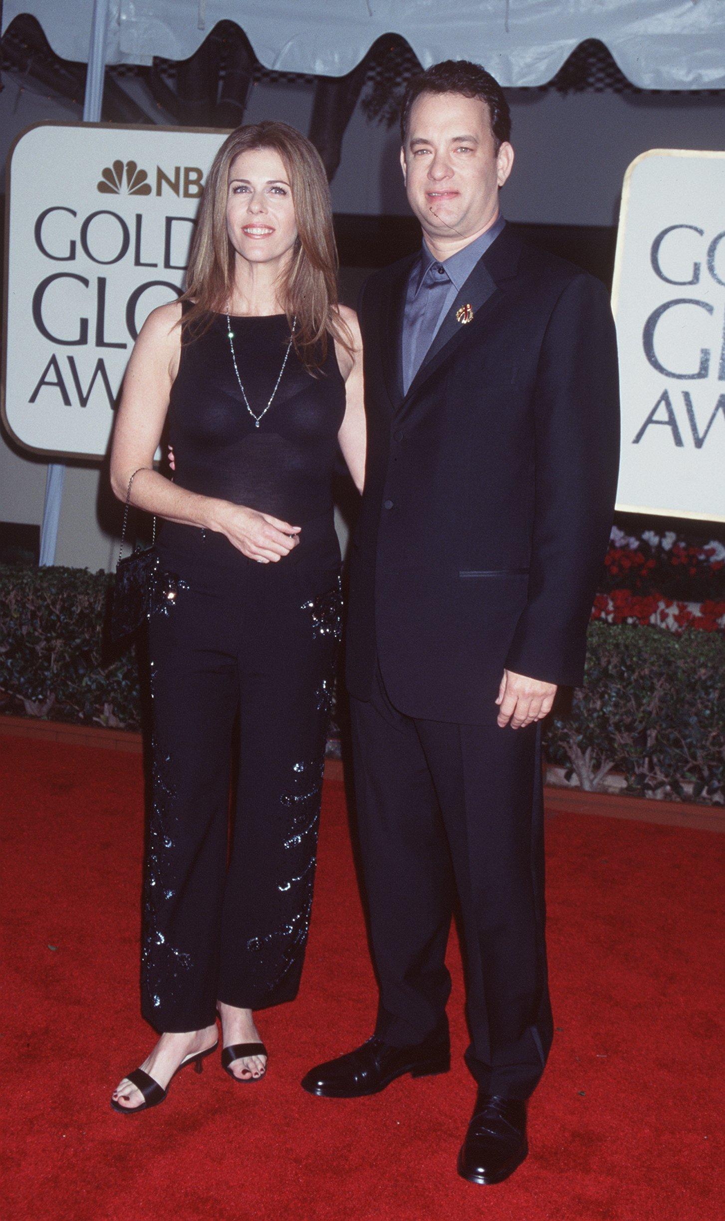 Том Ханкс минава по червения килим с втората си съпруга Рита Уилямс, с която са заедно вече 30 години.