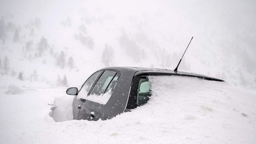 Обилен сняг и транспортен хаос в Германия и Австрия