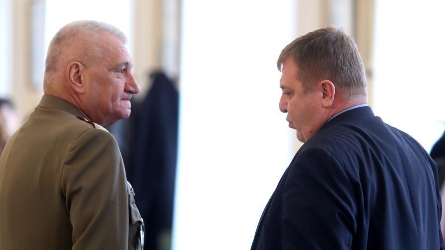 <p>Каракачанов: Аз не съм нито руски, нито американски човек</p>