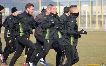 Карачанаков с асистенция в неофициалния си дебют за Ботев Пловдив