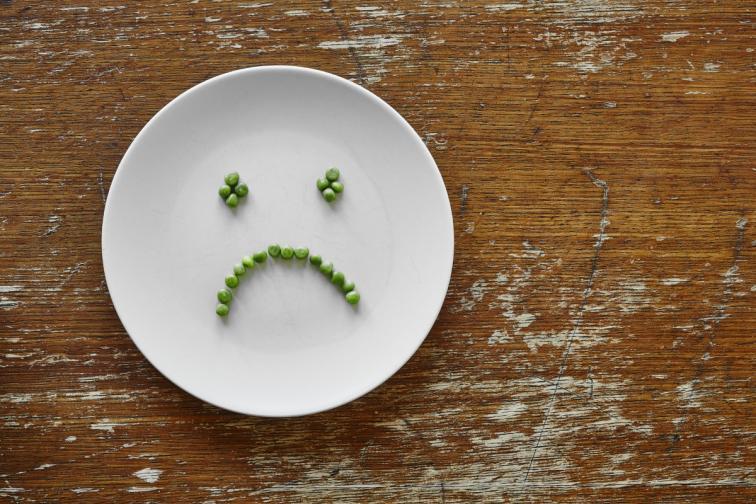 А може и да се почувствате депресирани. Ако сте прекаляваи със захарта и вредните храни, които рязко повдигат нивата на кръвната захар, може за известно време да се чувствате, сякаш тези храни ви липсват. Това е колкото тревожно, токлова и преодолимо. След седмица ще се почувствате по-леки.