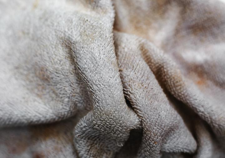 Стари и скъсани кърпи и хавлии, които стават само за парцали.