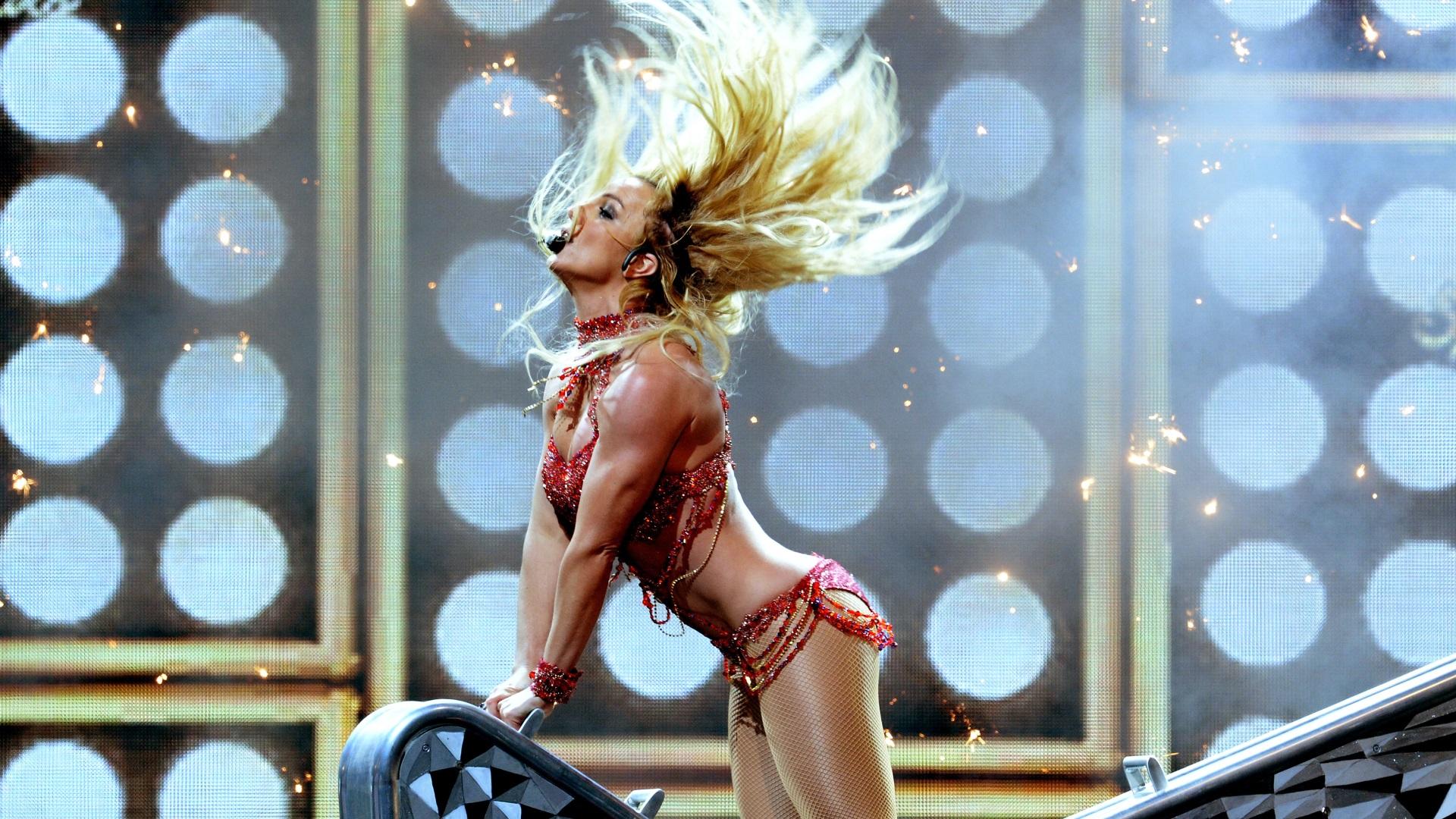 Бритни Спиърс отмени концертите си заради личен проблем