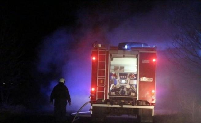 Голям пожар горя тази нощ в София